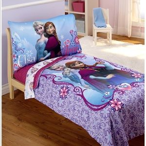 Disney 's Frozen Toddler Bedding Set